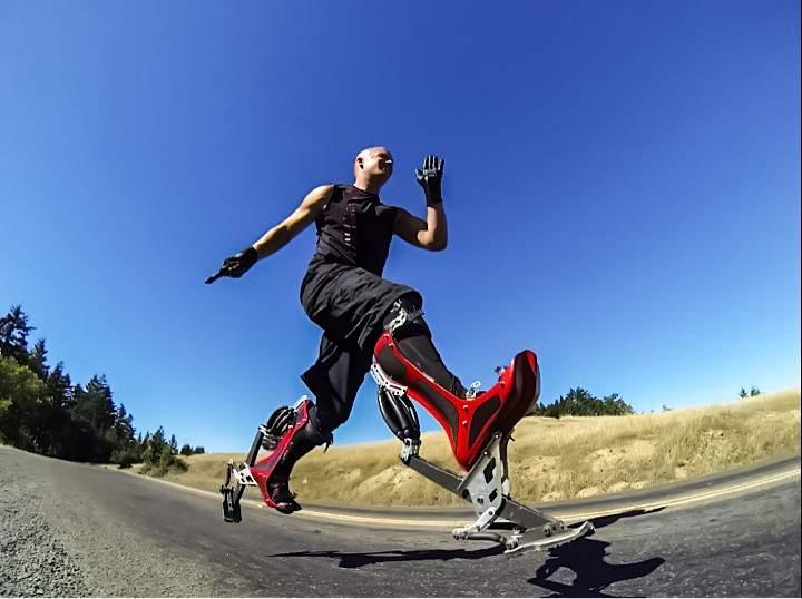 ウサイン・ボルトと同じ早さで走れる世界最速ブーツ「Bionic Boot」 3番目の画像