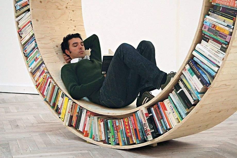 眺めているだけでワクワクする、お気に入りの本に囲まれて過ごせるこだわりの本棚5選 1番目の画像