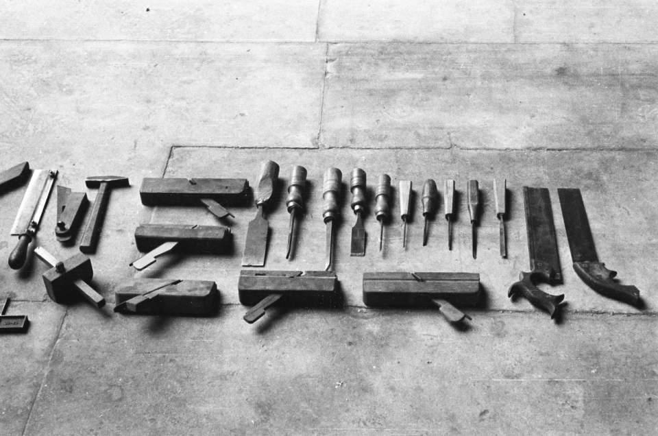 技術と心を鍛える8年間。『一流を育てる 秋山木工の「職人心得」』 1番目の画像