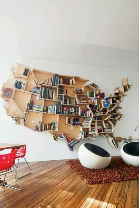 眺めているだけでワクワクする、お気に入りの本に囲まれて過ごせるこだわりの本棚5選 2番目の画像