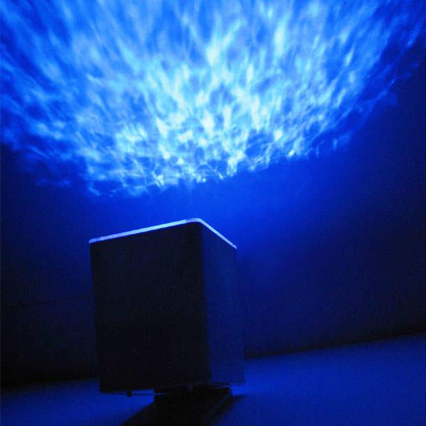 幻想的なお風呂でリラックス。バスライトを使って、たまには長風呂いかがです? 3番目の画像