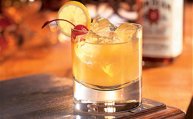 ウイスキーが苦手でも分かる美味しさ。ひと手間加えたウイスキーカクテルは試してみる価値がある 1番目の画像