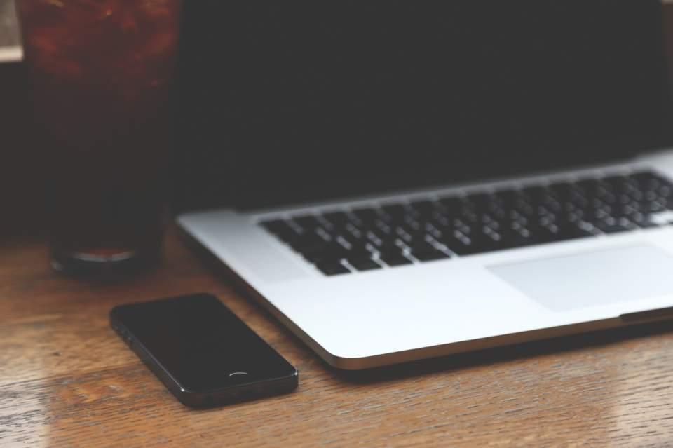 iPhoneでお馴染みの指紋認証をMacにも。パスワード入力の手間を省く「FingerKey」 1番目の画像
