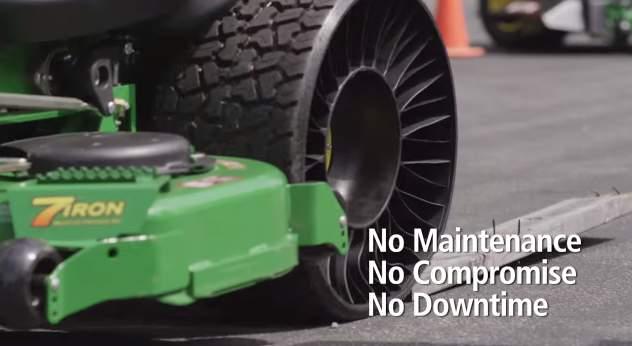 タイヤ業界に激震走る! 釘がささってもパンクしない変形タイヤ「TWEEL」 3番目の画像