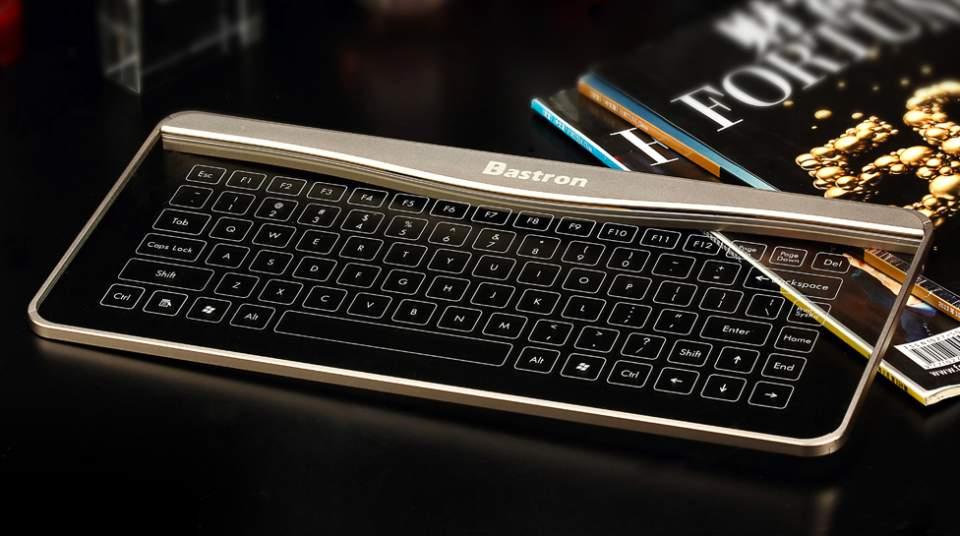 これが近未来のキーボードの形? 厚さ5mmで透明、ジェスチャー操作にも対応 1番目の画像
