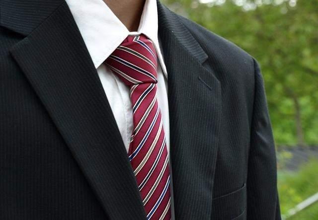 ワンランク上のオシャレを楽しもう! プライベートでもスーツを着こなすテクニック 1番目の画像