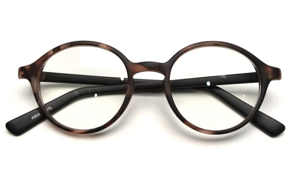 ちょっとレトロが今にぴったりの「クラシックメガネ」。大人のお洒落にどう活かす? 3番目の画像