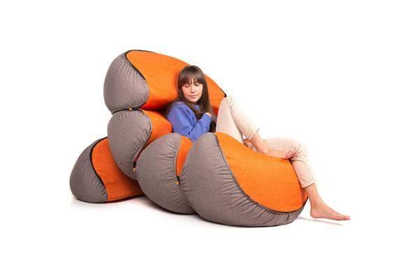 座ったらもう立ち上がれない! クッションソファのすわり心地が人をダメにする 4番目の画像