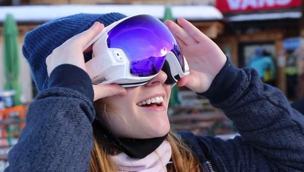 まるでゲームの世界! ARビジョン搭載ゴーグル「RideOn」がウィンタースポーツを変える 1番目の画像