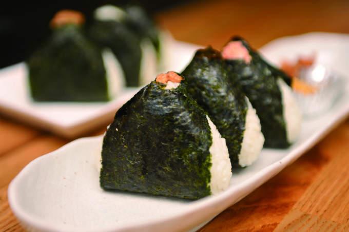 こだわりのお米を握ったふっくら食感。ほんのり塩加減が美味しい、東京で味わいたいおにぎり屋4選 1番目の画像