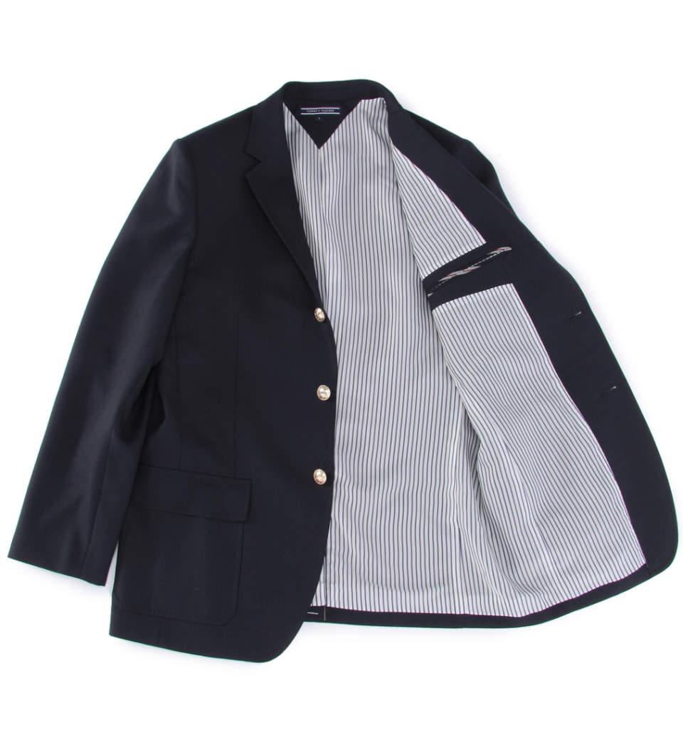 ビジカジで欠かせないジャケパンスタイル。正統派に着こなしたいなら「無地」が決め手 3番目の画像