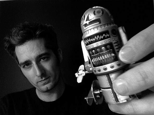 【スマホ戦国時代】発展し続けるスマホの未来。次の変化は画面と分離orロボット化!? 1番目の画像