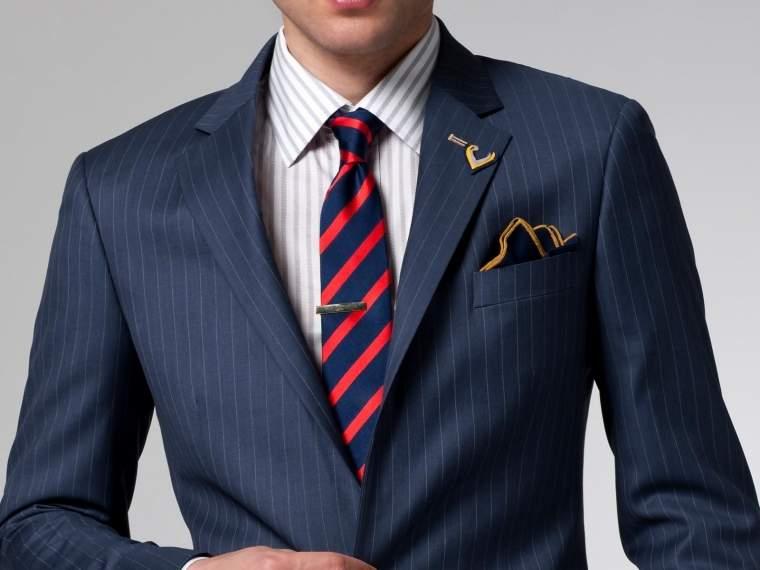 柄に柄を重ねるパターンオンパターンの定番スタイル。お洒落な男は知ってるベストな組み合わせ 1番目の画像