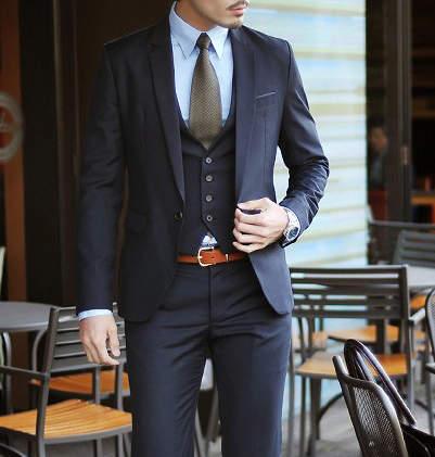 定番のスーツスタイルはパンツで差をつける。上質なオトナはタックなしを履く! 3番目の画像