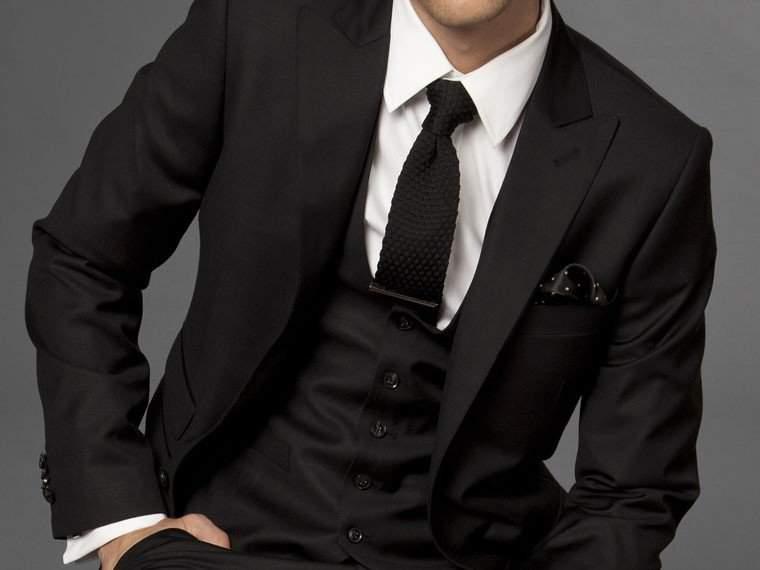この2着があれば着まわしにも困らない。最初に買うスーツ、何色と何色を買えばいい? 1番目の画像