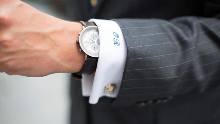 ビジネスシーンに最適な時計の選び方。4つの条件を守れば、恥をかかない常識あるオトナに 2番目の画像