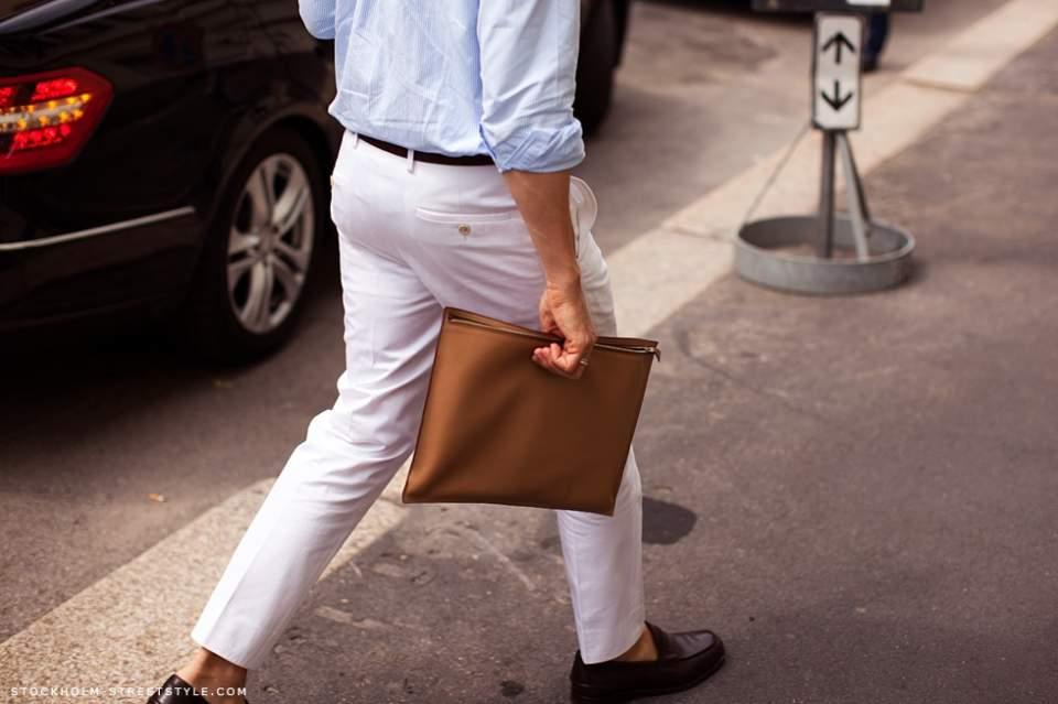 実は全然ダメじゃない。「スーツ×クラッチバッグ」は地味っぽい雰囲気を変えるのに最適な組み合わせ 5番目の画像