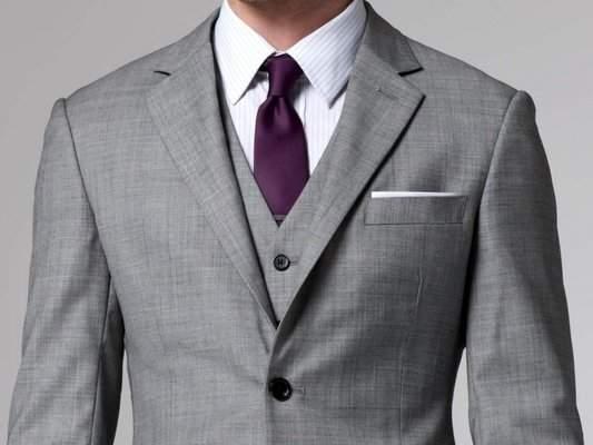 オーダースーツに挑戦するときのために。スーツの襟の種類を知り、自分好みの一枚に思いを馳せる 1番目の画像