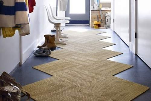 床だってお洒落に飾りたい。タイルカーペットを使ったインテリア事例3選 4番目の画像