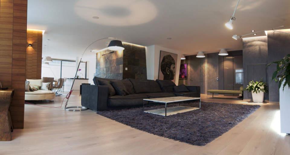 インテリアのアクセントになるだけじゃないラグ。部屋の雰囲気を壊さず使えるラグの用途と選び方 1番目の画像