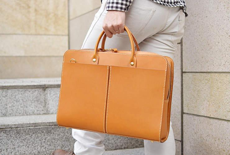 おしゃれなビジネスバッグを持つ大人は一味違う。素材と製法にこだわったブランドのバッグに手を伸ばす 2番目の画像