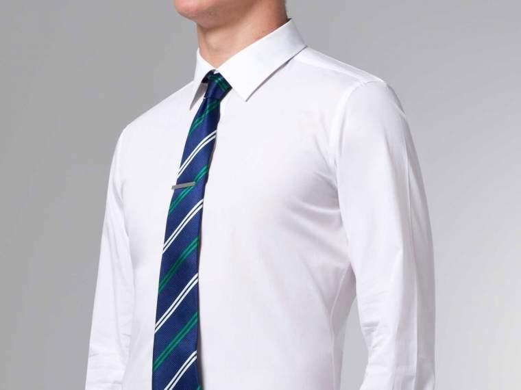 万能アイテム「白シャツ」はコスパに注目して選ぶ。5,000円以下で購入できるブランドがアツい! 1番目の画像