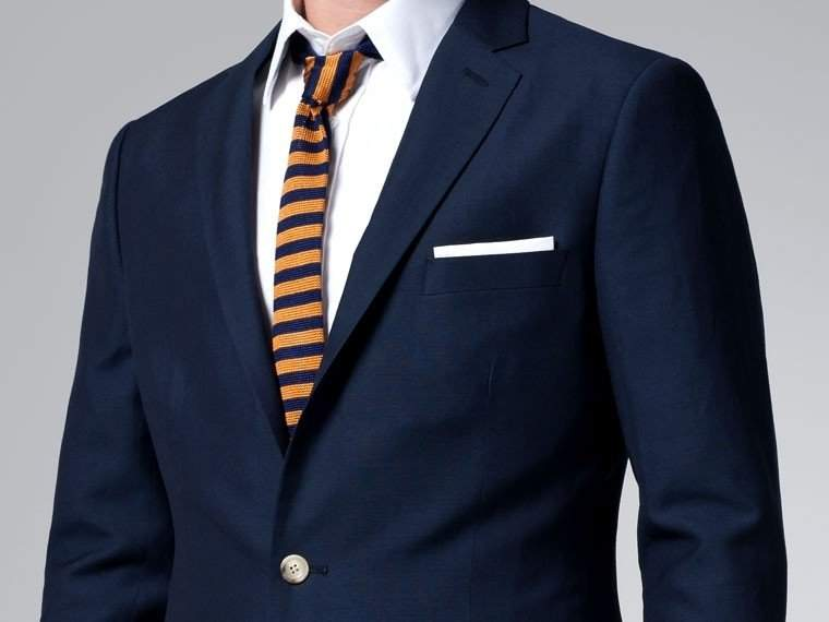 周りに与える印象はスーツの色でガラッと変わる。デキる男はシーンに合わせてスーツを使い分ける 2番目の画像