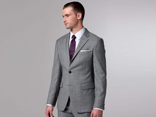 周りに与える印象はスーツの色でガラッと変わる。デキる男はシーンに合わせてスーツを使い分ける 3番目の画像