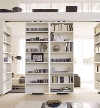 本をスマートに収納すると、インテリアとして美しくみえる。スペースを活用した本棚の収納実例まとめ 4番目の画像