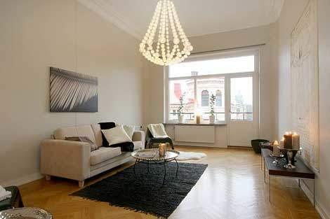 あなたの部屋は配置や小物でガラッと変わる。シンプルだけど奥が深い模様替えのコツ 2番目の画像