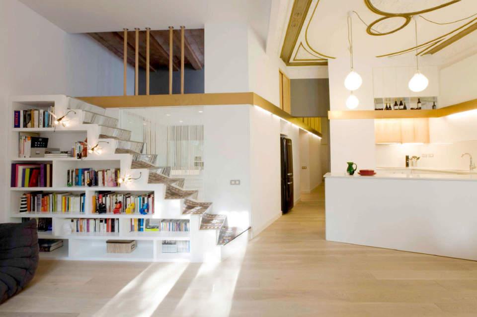 本をスマートに収納すると、インテリアとして美しくみえる。スペースを活用した本棚の収納実例まとめ 2番目の画像