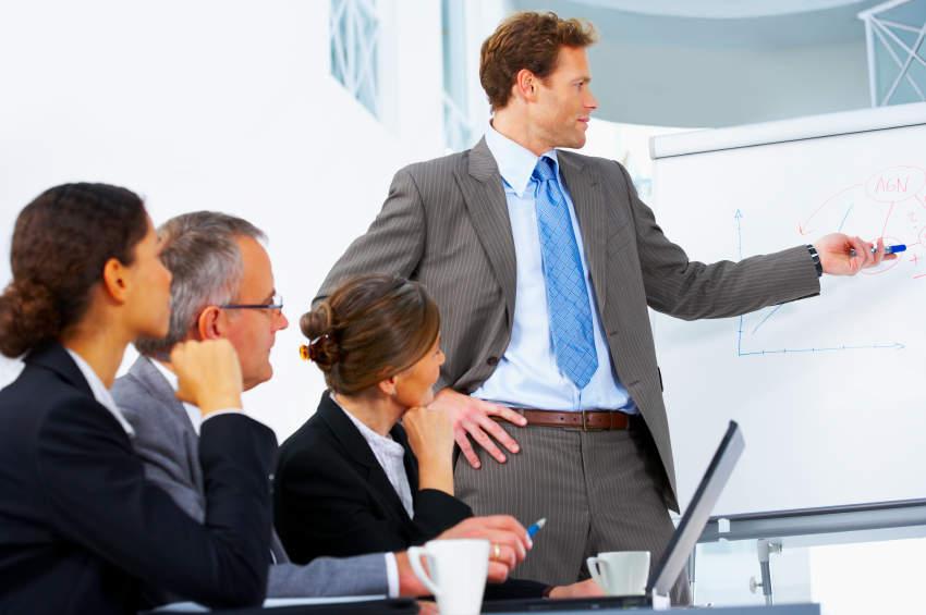 相手に好印象を与えるネクタイの色・柄とは? デキる男はシーンによってネクタイを使い分ける! 1番目の画像