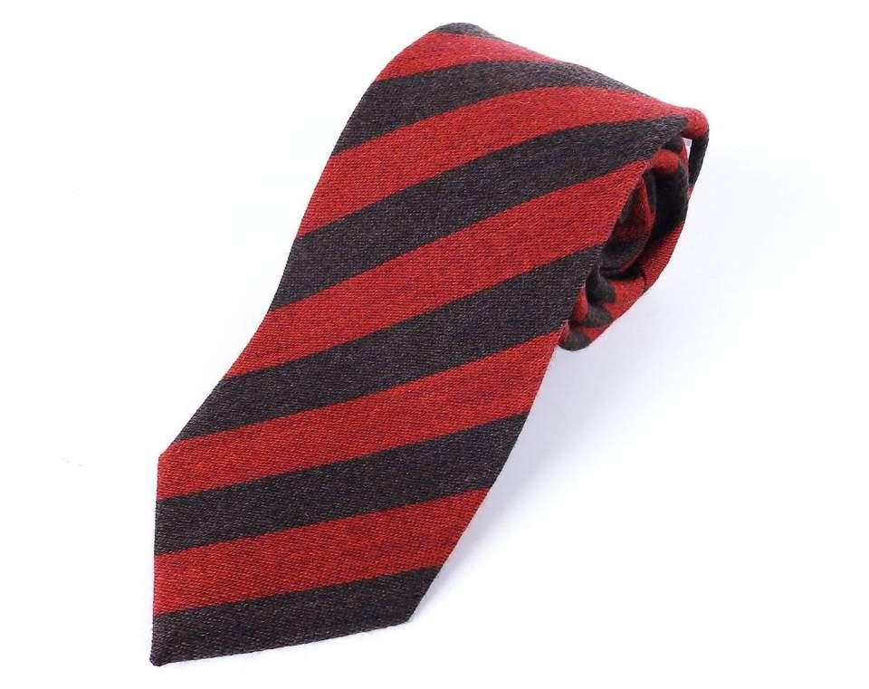 相手に好印象を与えるネクタイの色・柄とは? デキる男はシーンによってネクタイを使い分ける! 4番目の画像