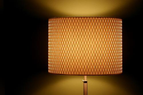 暖かな光が空間を彩る。単調な部屋の印象を一気に変える間接照明のテクニック 1番目の画像