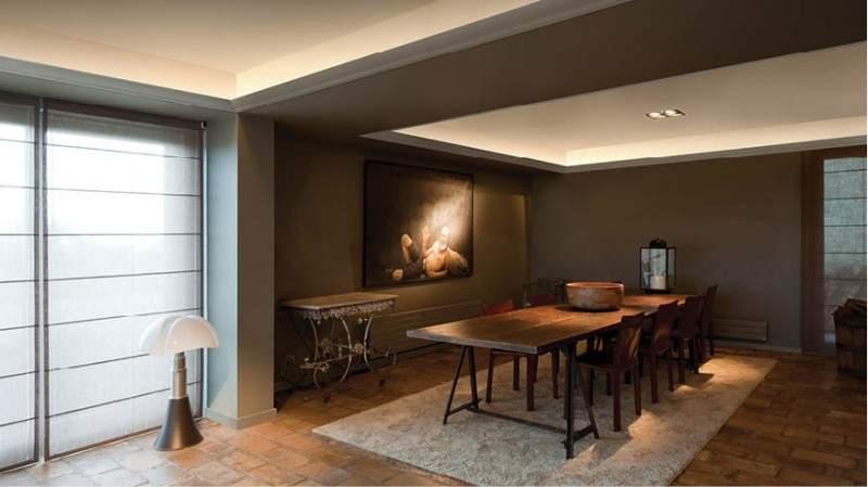 暖かな光が空間を彩る。単調な部屋の印象を一気に変える間接照明のテクニック 2番目の画像
