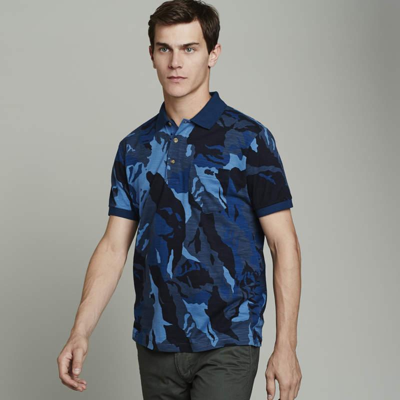 トレンドカラーと伝統あるデザインが融合。ラコステが提案する、今年のポロシャツスタイル 4番目の画像
