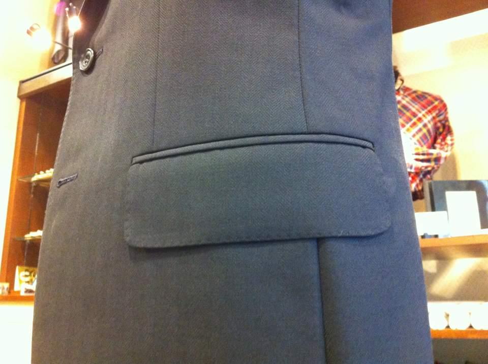 スーツのポケットにも幾つか種類がある。理想のスーツスタイルに最短距離で辿りつくための基礎知識 4番目の画像
