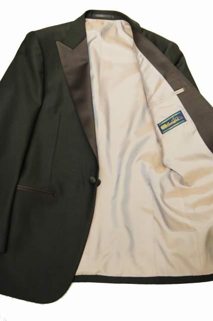 スーツのポケットにも幾つか種類がある。理想のスーツスタイルに最短距離で辿りつくための基礎知識 6番目の画像
