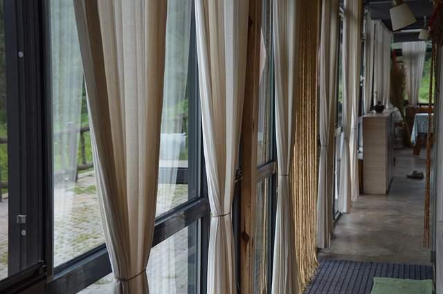 カーテンは部屋の雰囲気を左右する。自分の部屋に合ったカーテンの選び方 2番目の画像