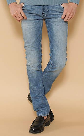穿き込んだ味わいを楽しむジーンズ。自分だけの一本を手に入れたい「ウォッシュドジーンズ」3選 4番目の画像