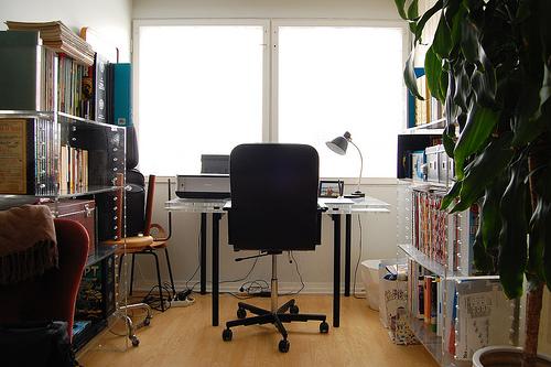 自分だけの空間を作り出す。おしゃれで集中できる書斎周りの環境の作り方 1番目の画像