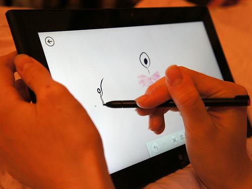 スマホやタブレットをまるで紙のように扱える。人気・機能ともに抜群のスタイラスペン3選 1番目の画像
