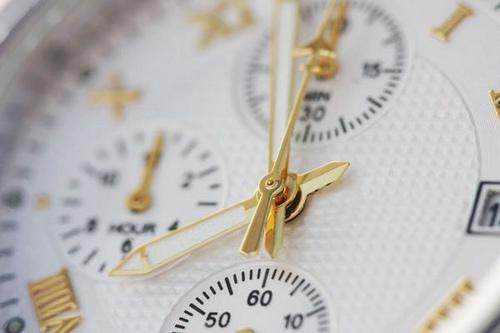 「ムダな時間」を費やす、二流の人たちへ送る一冊。『なぜ一流は「その時間」を作り出せるのか』 2番目の画像