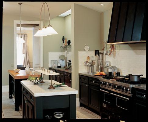 もはやインテリアの一部。キッチンに置くと生活が楽しくなるデザイン家電 1番目の画像