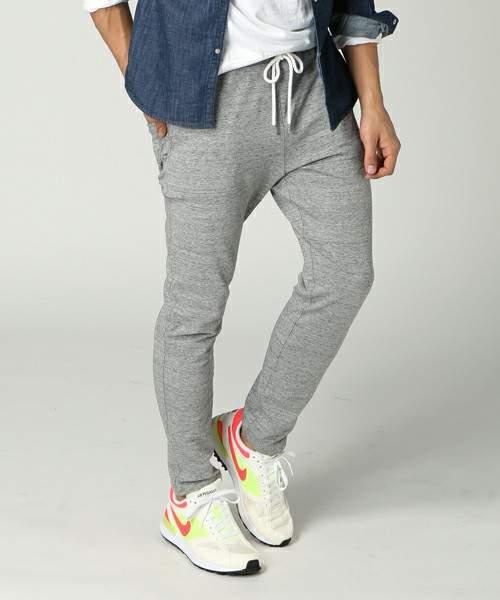 ジャージとは違う「上品」さ。夏の半ズボンじゃ寒い日には「スウェットパンツ」がおすすめ 3番目の画像