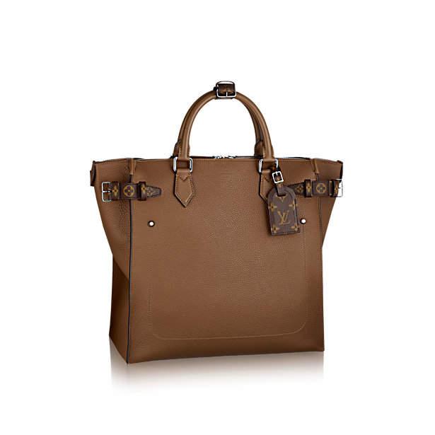 デキる男はバッグから違う。大人メンズの手元には上質な「レザーバッグ」がおすすめ。 2番目の画像