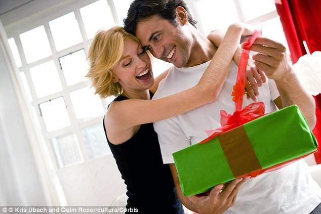 女子ウケ抜群の腕時計プレゼント! 彼女の笑顔を見たいならこの4大ブランドの一品を。 1番目の画像