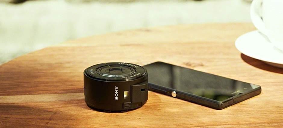 """今時、重いカメラを持ち運ぶのはナンセンス。スマホでは物足りない人向けの""""レンズだけのカメラ"""" 1番目の画像"""