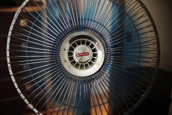 その良さは◯◯にあった。高級な扇風機と安価な扇風機、違いはどこ? 1番目の画像