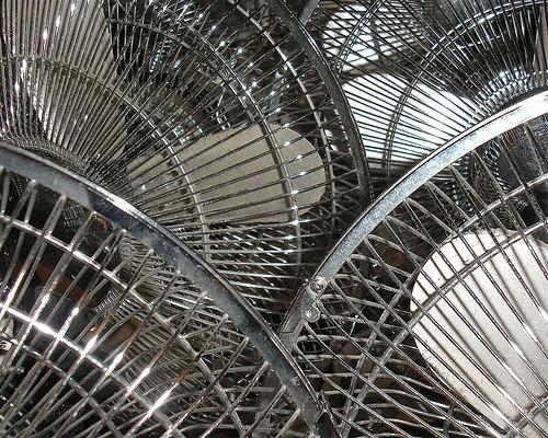 その良さは◯◯にあった。高級な扇風機と安価な扇風機、違いはどこ? 3番目の画像